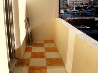 شقة للايجار بسموحة للشركات – شارع توت عنخ امون – مساحة كبيرة 170 م