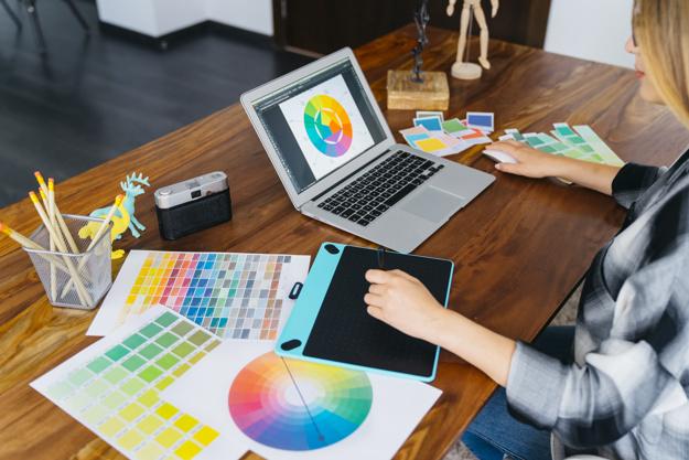 سيرفرات ويندوز جرافيك فيديو Graphic & Video Designer
